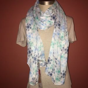 Accessories - NWT White Scarf with Snowflakes